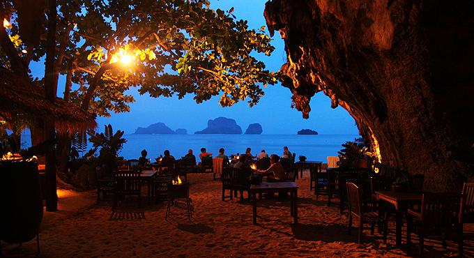 """Thailand Träume: Höhlen-Restaurant """"The Grotto"""""""