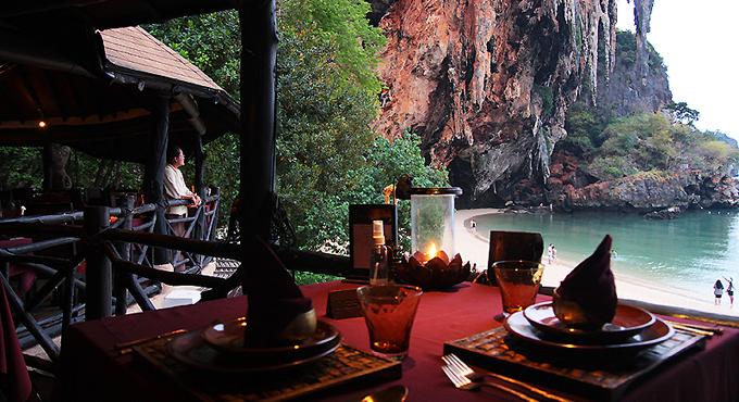 "Romantik-Restaurant: ""Krua Phranang"" am Strand"