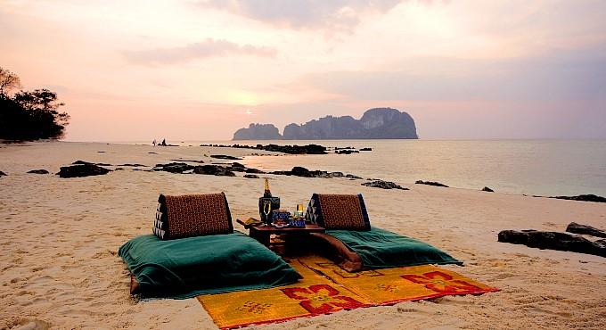 """Bamboo Island: """"Koh Phai"""" Sunset-Picknick"""