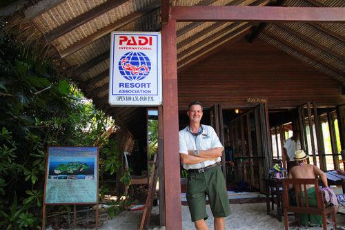 Auf Koh Phi Phi tauchen gehen! Zum Beispiel mit dem Padi Tauchzentrum vom Zeavola Resort