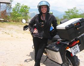 "Thailand Motorradtour: Nathalie Gütermann ""off road"""