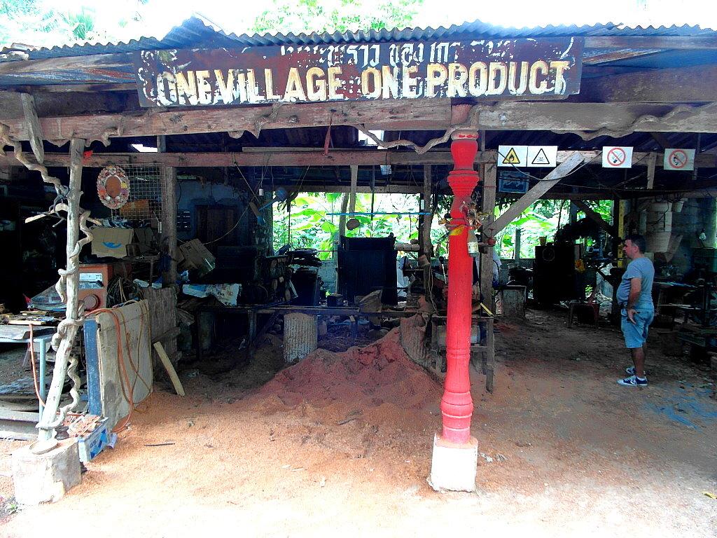 Koh Samui Tipps: In dieser völlig versteckten Werkstatt auf Koh Samui...