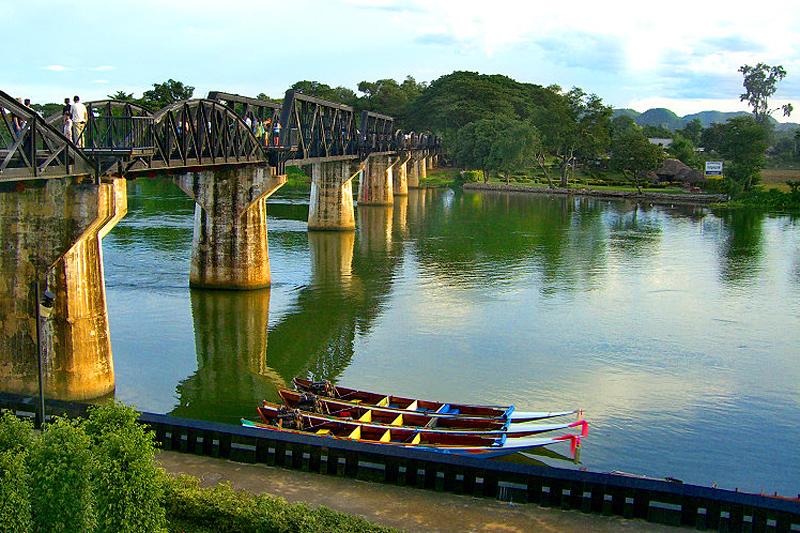 <p>... ist berühmt für den RIVER KWAI, die historische Bahnbrücke und zahlreiche Memorabilia aus dem Zweiten Weltkrieg. </p>