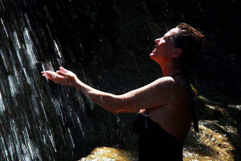 <p>Mein Highlight des Tages: die Dusche unter dem Wasserfall.</p>