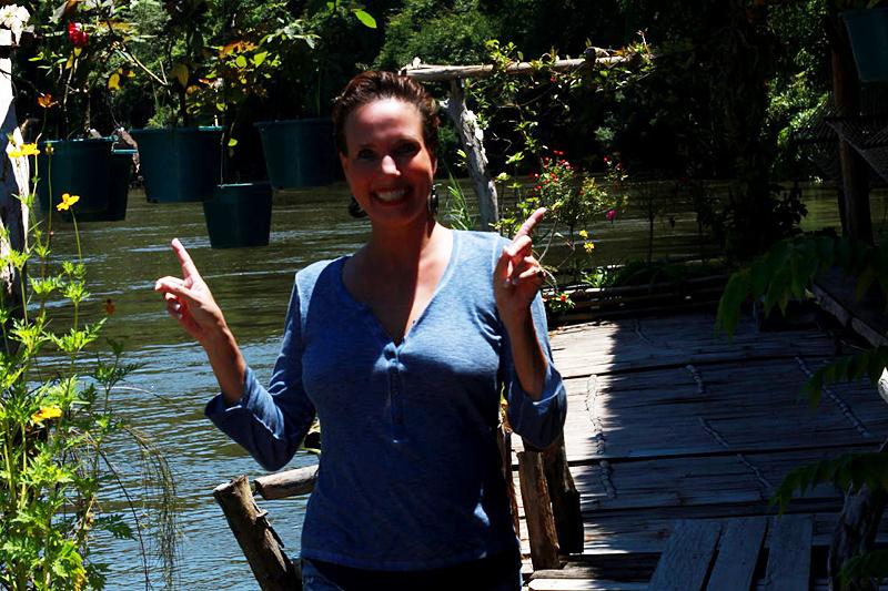 <p>HALLO aus dem MADATARA RAFT HOUSE im Sai Yok Natonalpark</p>