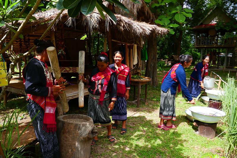 Urlaub im Isaan (Thailands Nordosten). Neuester Trend: Village Experiences (Erlebnisse im ethnischen Dorf).