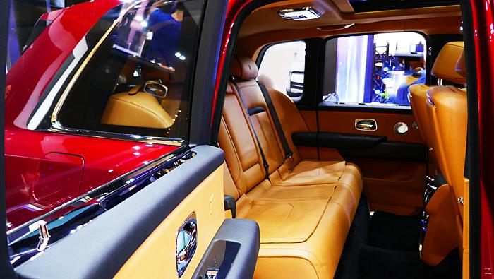 """Thailand-Lifestyle.com präsentiert: Luxusautos in Bangkok! Hier: der neue Rolls-Royce """"Cullinan"""""""