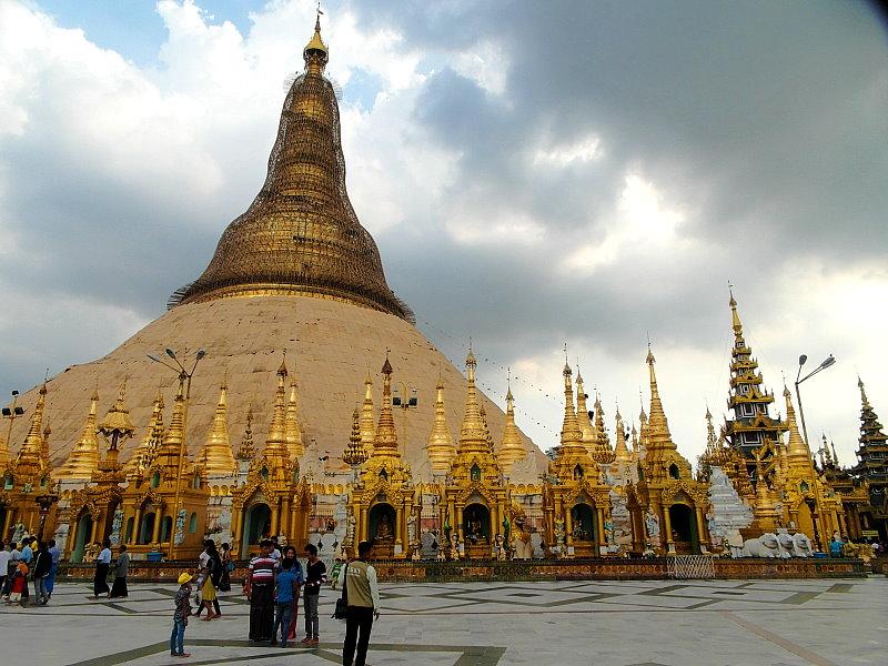 Thailand Lifestyle präsentiert: die berühmte Shwedagon-Pagode in Yangon, Myanmar