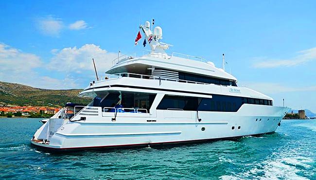 """Singapur Yacht Show 2019: Hier die Lürssen-Yacht """"Be Mine"""". Foto: Simpson Marine"""