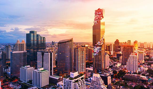 "Thailand Lifestyle präsentiert: den Mahanakhon Tower mit seinem ""Mahanakhon Skywalk"" in 314 Meter Höhe"