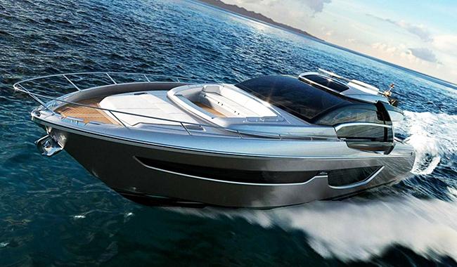 """Cooler Auftritt: Die """"Riva76' Perseo"""" macht Eindruck! Foto: Riva Yacht"""