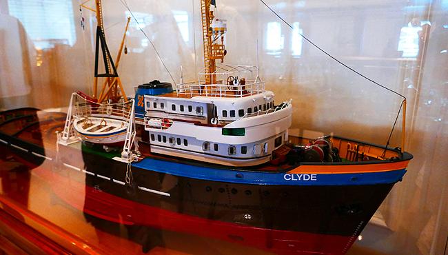 """Ein Model des Original-Schleppers """"Clyde"""" bevor das Schiff in """"Seawolf"""" umgetauft wurde. Foto: Nathalie Gütermann"""