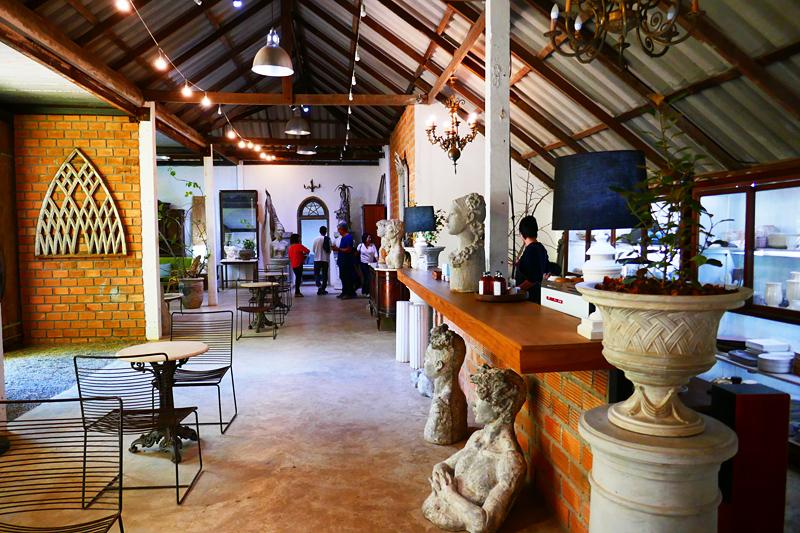 Besuch im Thongma Studio des Künstlers Chamnian Thongma in Mae Rim bei Moncham