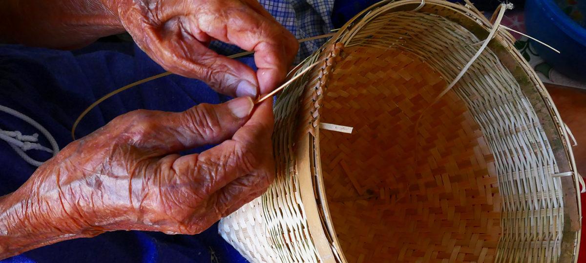"""Thailand Lifestyle und Nathalie Gütermann präsentieren: Bambusweberei im """"Basket Village"""" Chiang Mai"""