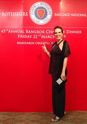 """Nathalie im Mandarin Oriental als Gast des Gala Dinners der """"Chaîne des Rôtisseurs Thailand"""". Foto: Nathalie Gütermann"""