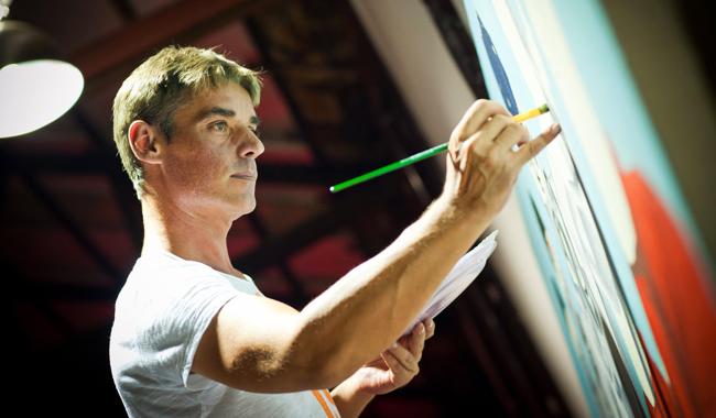 Der Belgier Christian Develter ist seit 1996 freischaffender Künstler mit Ateliers in Thailand und Kambodscha