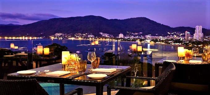 """Amari Phuket"": Panoramablick über Patong"